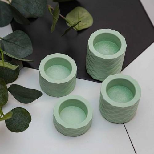 Комплект от 4 свещника от бетон, ръчно изработени в бледо зелено 'Atomo'