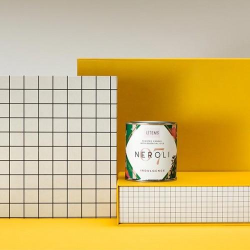 Ароматна свещ 07 / NEROLI с етерично масло от петигрен, аромат на портокалов цвят и дизайн от Розалина Буркова 'I-TEMS', 200 г