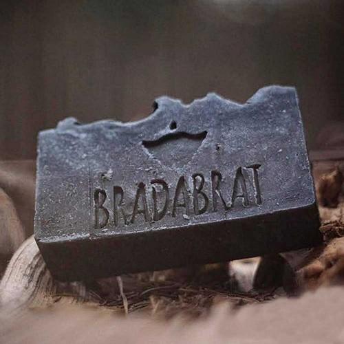 Сапун с активен въглен CARBON, черна кал от Мъртво море и масло от Кедър за брада и тяло 'BRADABRAT', 120 г