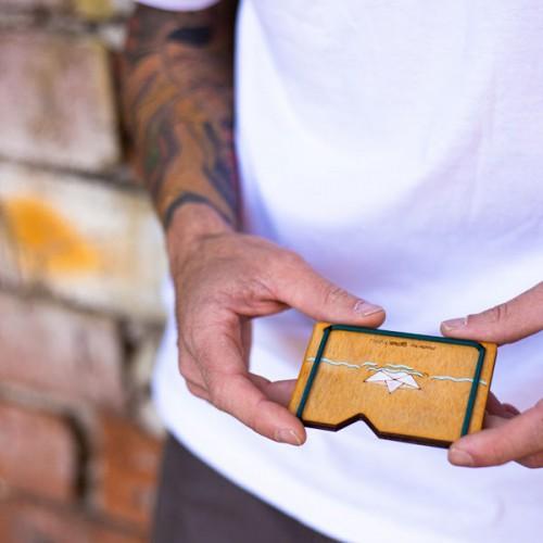 Дървен портфейл /хартиена лодка/ за банкноти, карти и документи с ластици, изработен ръчно 'ДРЪВкулки'
