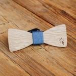 Дървена папийонка модел 'Клик!' с гравюра, изцяло ръчна изработка, ДървАрт