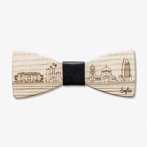 Дървена папийонка 'София' с гравюра и тъмно кафяв възел, изцяло ръчна изработка, ДървАрт