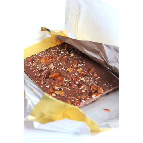 Млечен шоколад с 10% карамелизирани бадеми /нуга/ 'CHANSON', ГАЙО