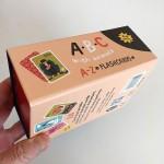 Образователни карти 'ABC' с английската азбука /26 броя/ с букви и животни от твърд картон, Бяла лодка