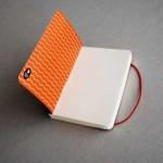 Дизайнерски тефтер с ластик А6 /черен на цветя/ 'Бяла лодка', 130 листа
