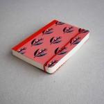 Дизайнерски тефтер с ластик А6 /розов на цветя/ 'Бяла лодка', 130 листа
