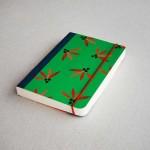 Дизайнерски тефтер с ластик А6 /зелен на цветя/ 'Бяла лодка', 130 листа