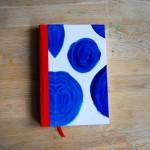 Дизайнерски тефтер с твърди корици /шит и лепен/ със 100 листа на редове 'Сини кръгове', Бяла Лодка