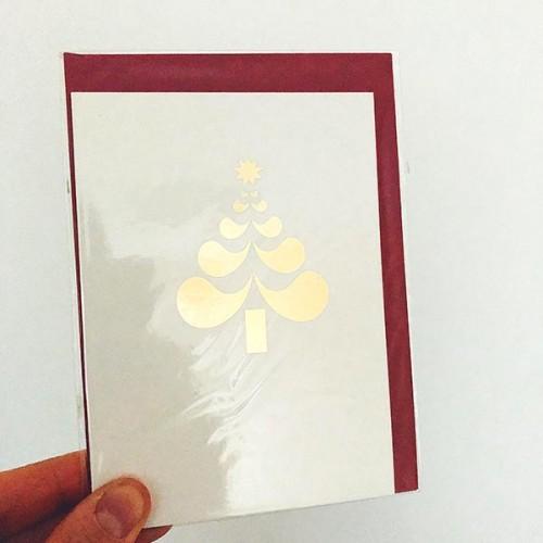 Коледна картичка със стилизирана златна елха - авторска илюстрация на Ася Колева 'Бяла лодка'