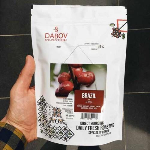 Бразилия Алианса, сорт 'Катуаи' от надморска височина 1100 м, DABOV Specialty Coffee - прясно изпечено арабика с аромат на шоколад и карамел, 200g