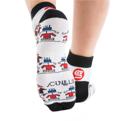 Чорапи Stinky Socks 'SHEVITZA' с антибактериално покритие, вдъхновени от българския фолклор