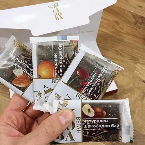 Сурова - кутия с 4 сурови десерта в различни вкусове /без добавена захар/