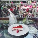 Шампанско 'TRASTENA' - освежаващо пенливо ягодово просеко, 200ml
