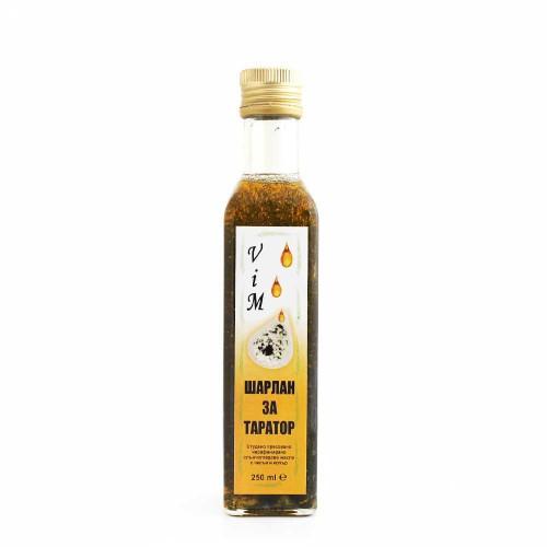 Шарлан /нефилтрирано слънчогледово олио/ с Копър и Чесън - готов дресинг за салати или таратор, 250ml