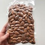 Бадеми /био, сурови/ във вакуумна опаковка 'Поляна', 250 г
