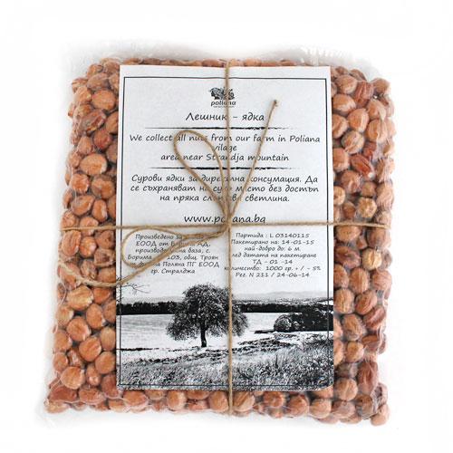 Лешници /био, сурови/ от България във вакуумна опаковка от ферма 'Поляна', 1кг