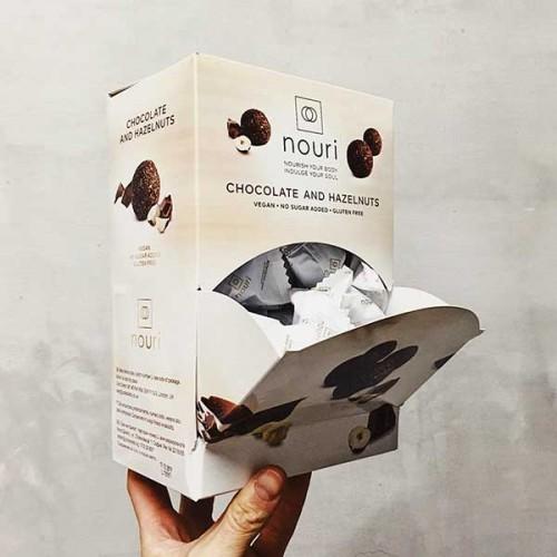 Трюфели с шоколад и лешници /сурови, без захар/ 'nouri', бонбониера 100 броя в кутия с удобно отваряне