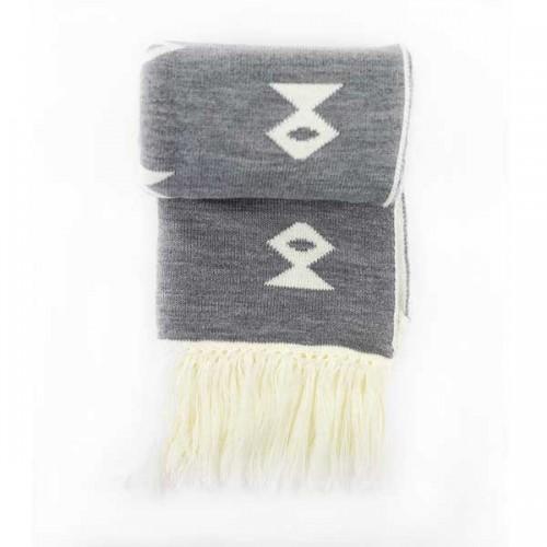 Зимен шал в бяло/сиво с автентични мотиви от Чипровци 'Бибици' и 50% вълна /плетен/, ШЕВИЦА
