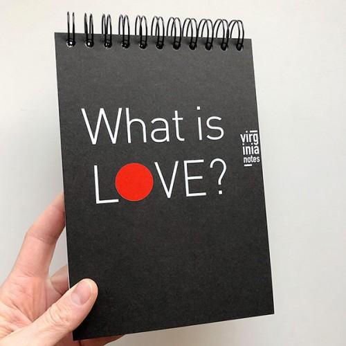Интерактивен тефтер с дупка 'Какво е любовта? / What is LOVE?' - концептуален проект за себеусъвършенстване на Виргиния Захариева